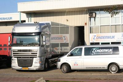 Autospuiterij Leiden